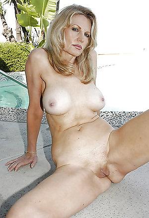 Free real women nude pics
