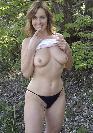 Pictures of amateur mature women