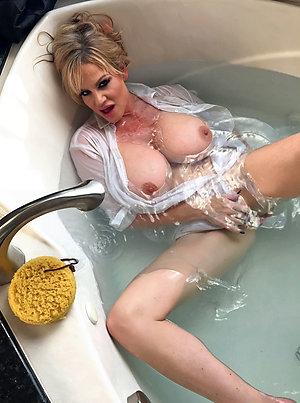 Nude amateur women pics