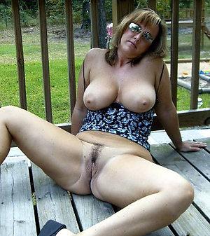 Horny mature slut pussy