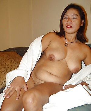 Amateur pics of old asian ladies