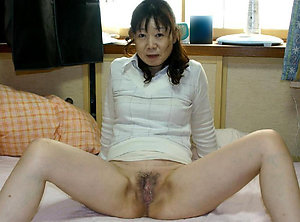 Gorgeous naked asian women