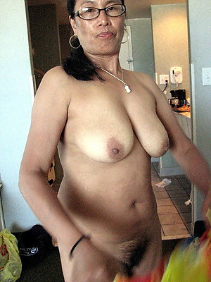 Sexy hot asian mature woman