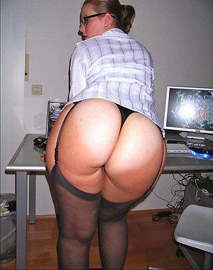 Sweet mature lady ass amateur pics