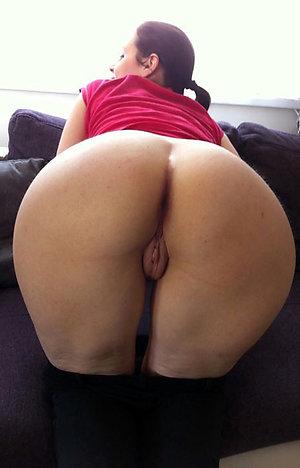 Real naked women ass