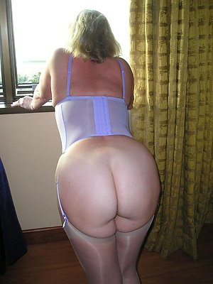 Free pictures of women ass