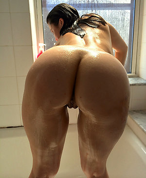 Mature women showing there ass