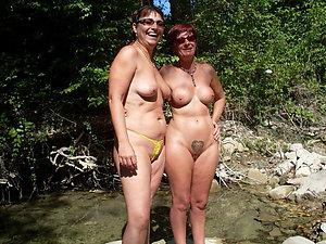 Nude mature lesbian porn pics