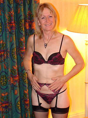 Bitchy hot moms in lingerie pictures