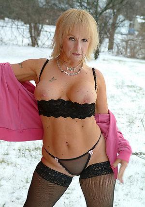 Lovely hot beautifu; milf lingerie gallery