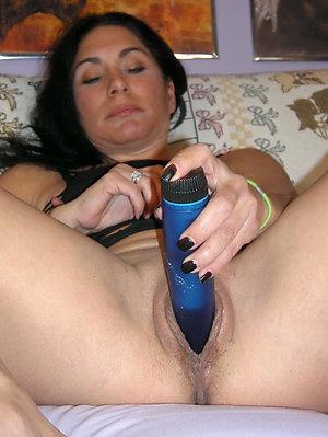 Pretty wife caught masturbating pics