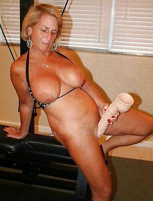 Free nude matures masturbating pics