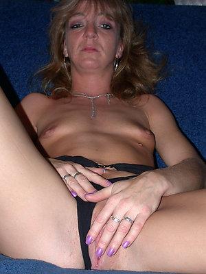 Best free mature women caught masturbating