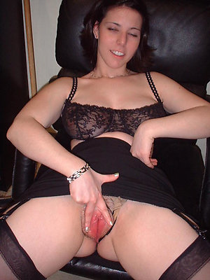 Inexperienced milf caught masturbating