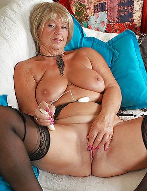Nude busty mature masturbation pics
