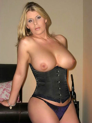 Perfect horny amateur mature milf