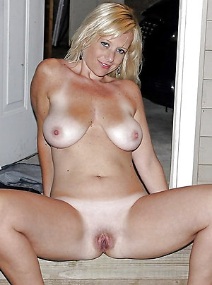 Favorite beautiful mature milf pic