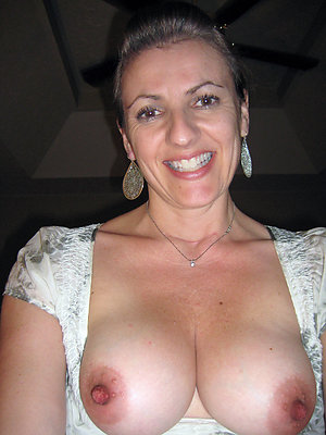Pretty hot mom porn pics