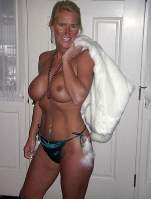 Lovely amateur hairy mature moms