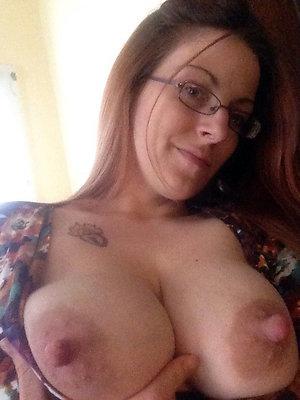 Nude hard nipple milf amateur pics