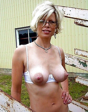 Naked mature long nipple amateur pictures