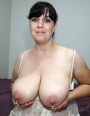 Pretty mature huge nipples pictures