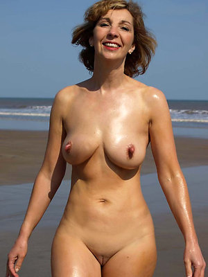 Naked mature erect nipples amateur pics