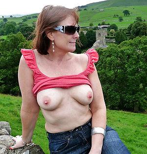 Best pics of mature nipple pictures