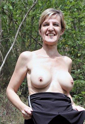 Xxx outdoor mature porn pics