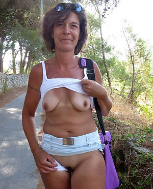 Slutty mature outdoors pictures
