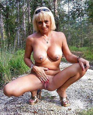 Slutty hot women in the outdoors