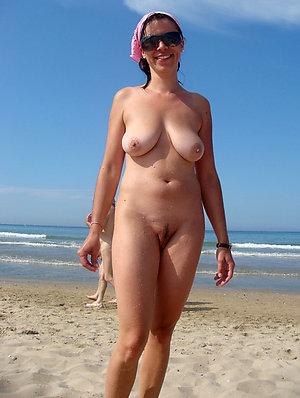 Sweet posing nude