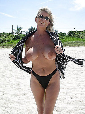 Mature outdoor nude on the nature