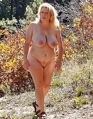 Pretty nude mature women outdoors