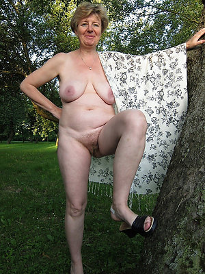 Alutty old ladies love porn pics