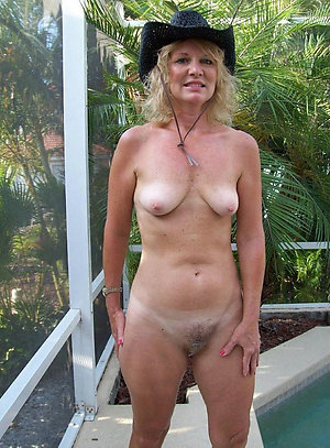 Amateur pics of nude outdoor mature
