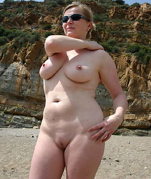 Favorite mature tits outdoors pics