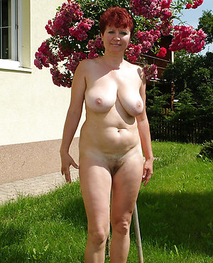 Hot mature natural nudes on the street