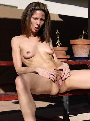 Free pics of mature women nude