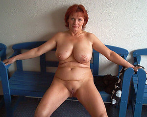 Amazing hot naked mature women