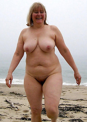 Private pics of mature women naked