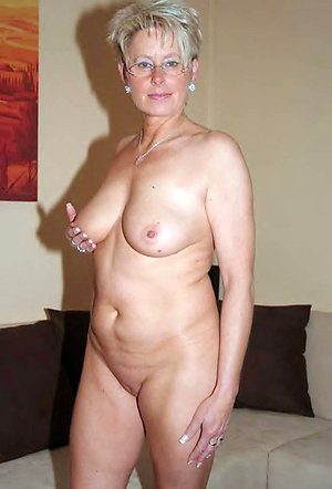 Favorite naked natural mature women