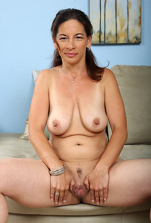Private pics of mature huge natural tits