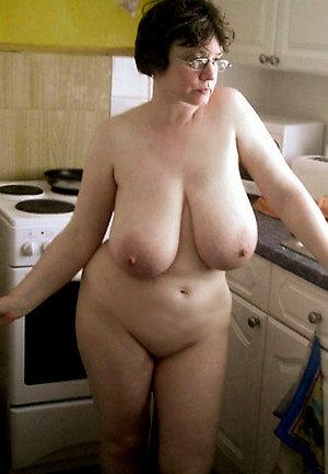Handsome amateur mature naked women pics
