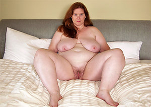 Busty Kayla natural mature milf