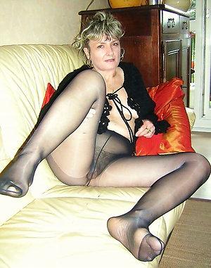 Amazing mature pantyhose upskirt pics