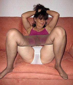 Hot Rikki mature mom in pantyhose