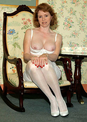 Lovelies free mature pantyhose porn