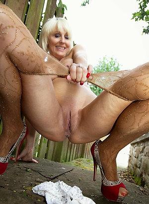 Private mature pantyhose fuck