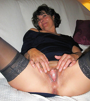 Slutty old lady hairy pussy pics